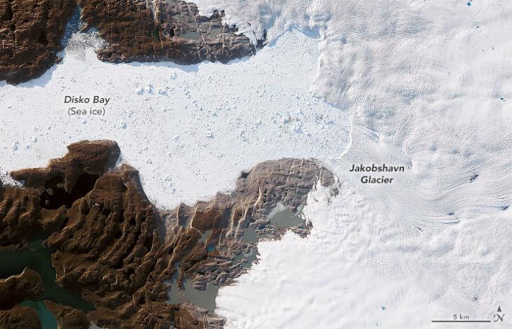 Réchauffement climatique ? La NASA rapporte que le plus grand glacier du Groenland ne fond pas , il «grossit pour la troisième année consécutive», contrairement aux affirmations des médias français…