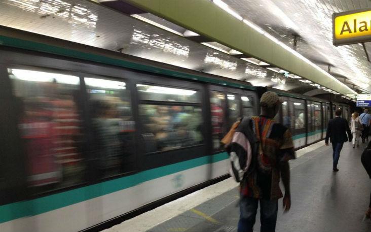 Agression antisémite : 4 individus d'origine maghrébine, âgés de 30 à 40 ans, agressent un jeune juif portant la kippa au métro Jaurès