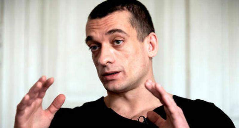 Affaire Griveaux : Quand France 2 et Léa Salamé faisaient l'éloge de «l'artiste qui défie Poutine «, Piort Pavlenski (Vidéo)