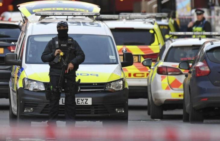 Attaque au couteau à Londres : des passants poignardés, le terroriste abattu, il s'agit d'un « attentat islamiste » (Vidéo)