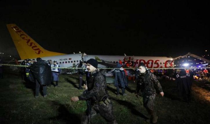 Turquie : Un avion se brise en trois après son atterrissage, trois morts et 179 personnes blessées