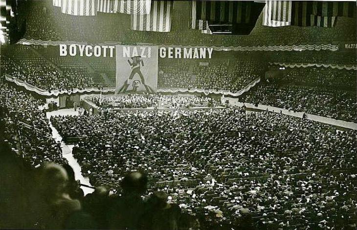 1939-1941 : L'Amérique est encore neutre, des rapports accablants d'Américains sur le terrain se succèdent mais le public reste sceptique