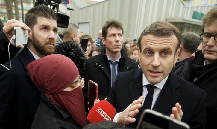 «séparatisme islamiste»: Plusieurs élus de droite se sont indignés de la présence d'une femme en voile intégral au côté d'Emmanuel Macron