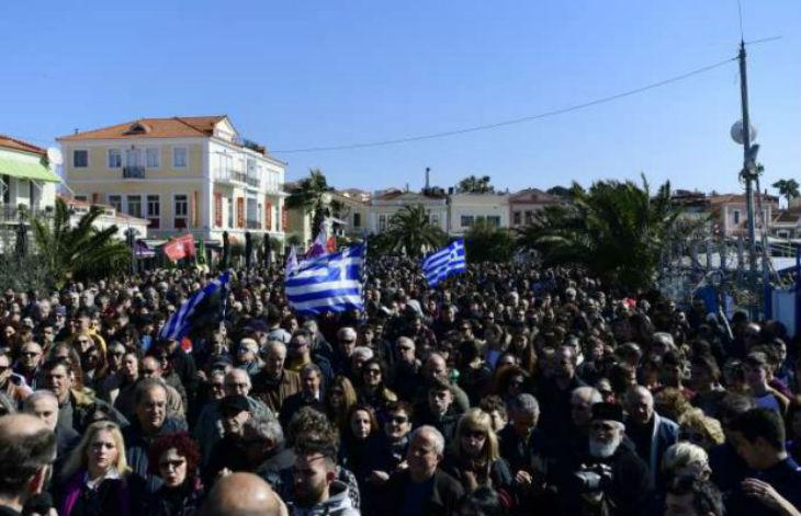 Grèce : Grève générale dans les îles grecques contre les camps de migrants. « Nous voulons qu'ils partent ! »