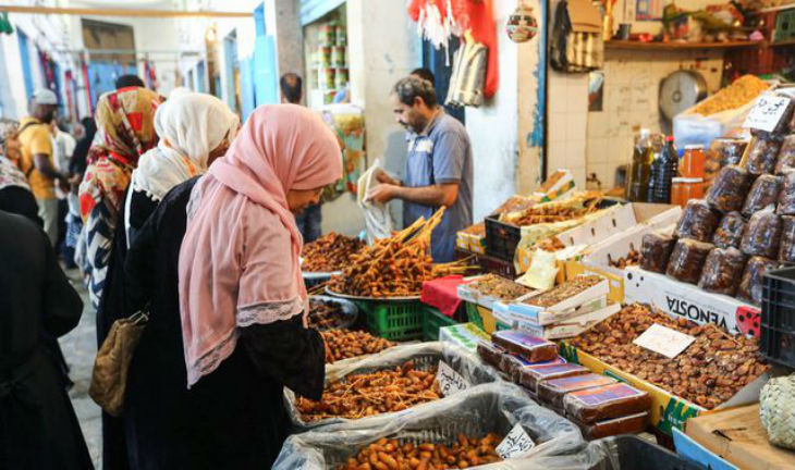 Saint-Fons désormais majoritairement musulmane : la maire tente de faire face au communautarisme, « Nous sommes le dernier commerce de bouche français »