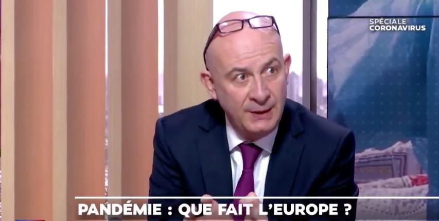François Lenglet : « On n'a pas fermé les frontières pour des raisons idéologiques, c'est absurde. Pourquoi la frontière serait-elle bonne autour d'un foyer familial et mauvaise dans un pays ? » (Vidéo)