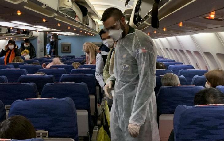 Coronavirus: deux autres compagnies aériennes annulent leurs vols vers Israël