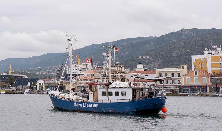 Grèce : Le bateau d'une ONG pro-migrants empêché d'accoster. « Les autorités ne peuvent pas assurer notre sécurité »