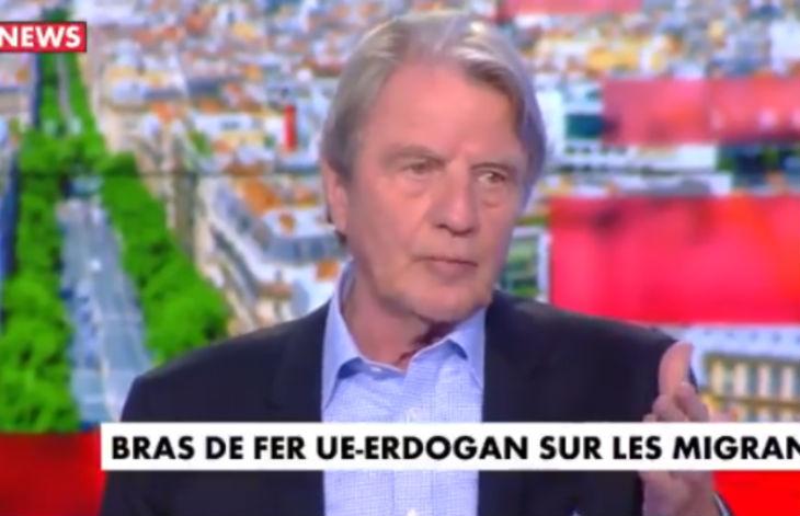 Bernard Kouchner : « On a accueilli les boat people, il y en a eu 300 000 mais ce n'était pas des musulmans » (Vidéo)