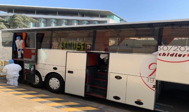 Coronavirus : un bus médicalisé avec huit patients en réanimation fait demi-tour entre les CHU de Reims et Tours
