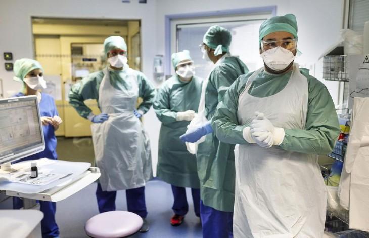 Coronavirus : « 2 000 personnes seront en réanimation en Île-de-France entre le 5 et le 14 avril », prévient un chef de service de l'hôpital Tenon… pour 1500 places