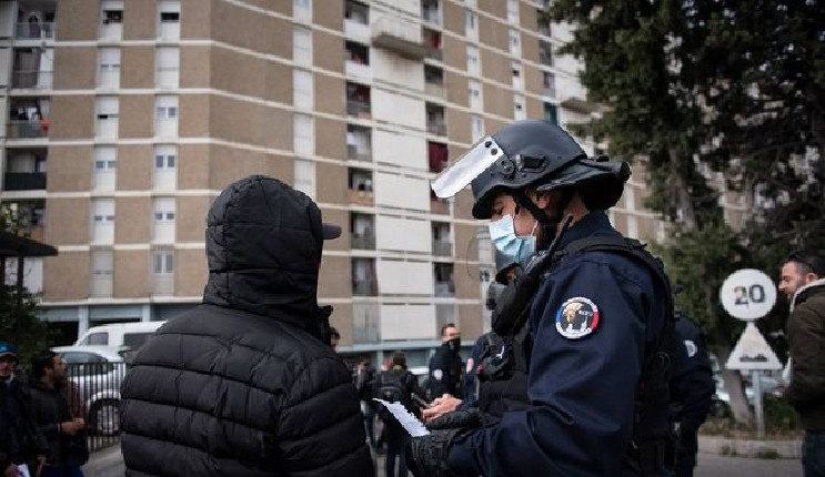 A Marseille, les dealers verbalisés uniquement pour non-respect du confinement, pas pour trafic de drogue… (Vidéo)