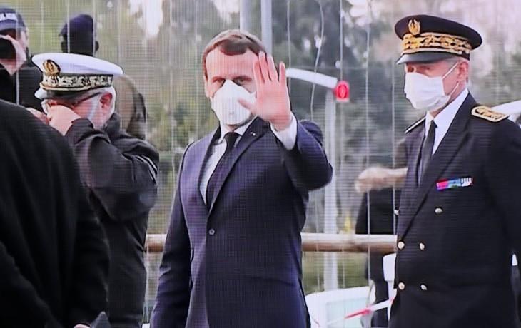 Coronavirus : L'arrogant Macron estime qu'il gère bien la crise alors que les soignants n'ont toujours pas reçu les stocks de masques, que les médicaments commencent à manquer, que les lits en réanimation manquent, qu'il n'y a pas de tests