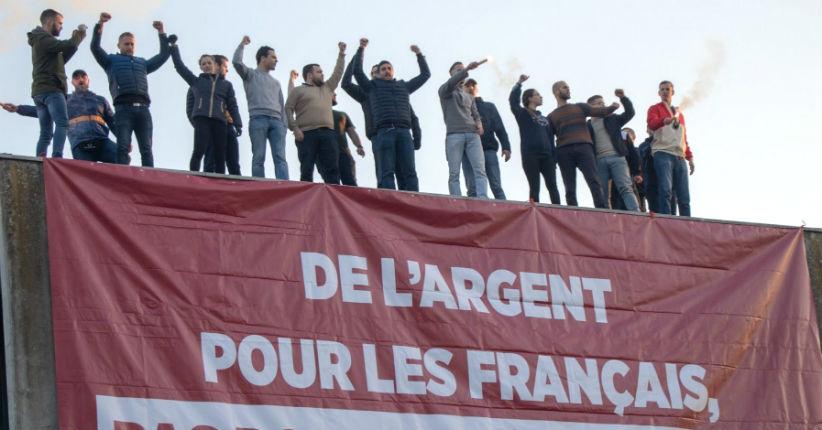 Bobigny: 19 militants anti-migrants jugés pour avoir déployé une banderole «De l'argent pour les Français, pas pour les étrangers !» (Vidéo)