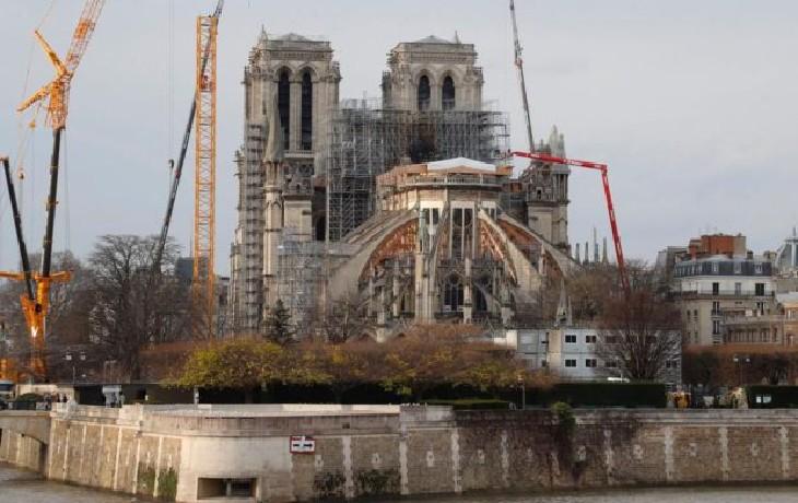 Paris : Des individus tentent de piller le chantier de Notre-Dame