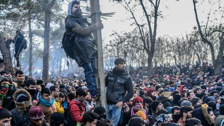 La Grèce a empêché l'entrée de 27.823 migrants en 4 jours (Vidéo)