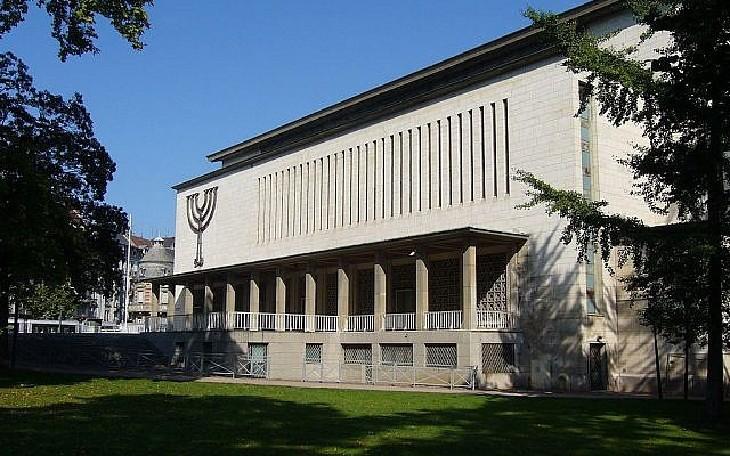 La communauté juive de Strasbourg gravement touchée par le Covid-19, «peut-être 50 %, peut-être 60 % ou 70 %» selon le rabbin Weil