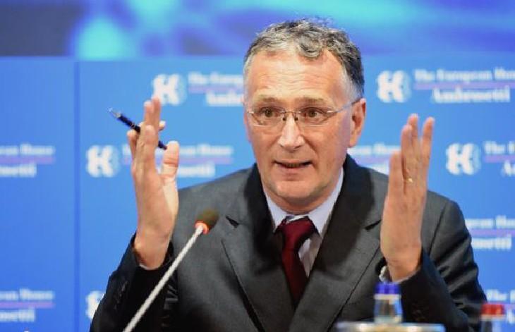 Covid-19, démission du président du Conseil européen de la recherche : «J'en ai vu assez, j'ai perdu foi dans le système lui-même»