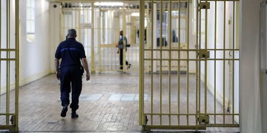 Décision de la Cour de cassation : un prisonnier pourra être libéré si ses conditions de détention sont indignes