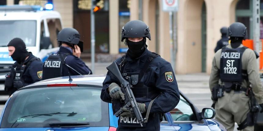 Une bande de cinq à sept syriens «barbus» poignardent au couteau des passants à Hanau