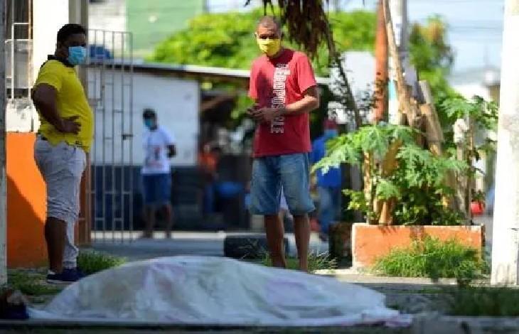 Coronavirus, Equateur : des cadavres brûlés dans les rues, le vice-président présente ses excuses (Vidéo)