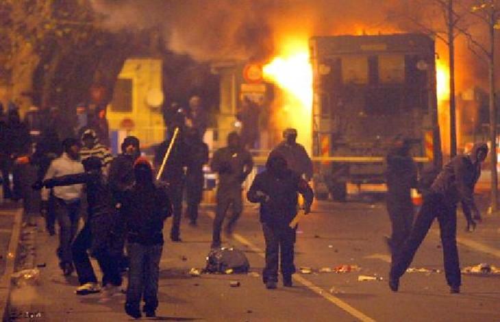 Emeutes et violences urbaines dans plus de 40 villes : liste ville par ville des émeutes de la nuit dernière, mais la police reçoit l'ordre «d'éviter tout contact»…