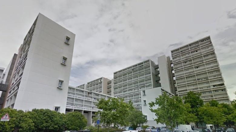 Pas de confinement dans le quartier des Aubiers à Bordeaux : rodéos, matches de foot, frigo jeté d'un immeuble, violences urbaines…