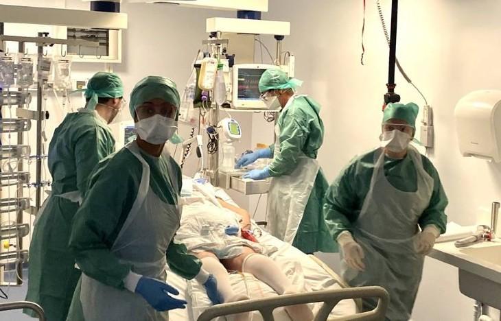 Coronavirus: Au CHU de Nantes, des soignants positifs continuent de travailler