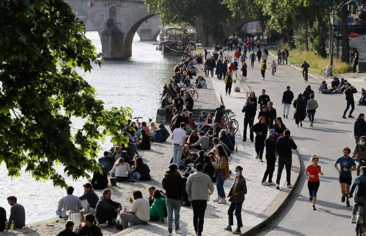 Coronavirus: 12 jours après le déconfinement, pas de deuxième vague en vue «le virus circule peu«, confirmant les estimations du Pr Raoult… mais les Français sont toujours privés de liberté et sous surveillance policière