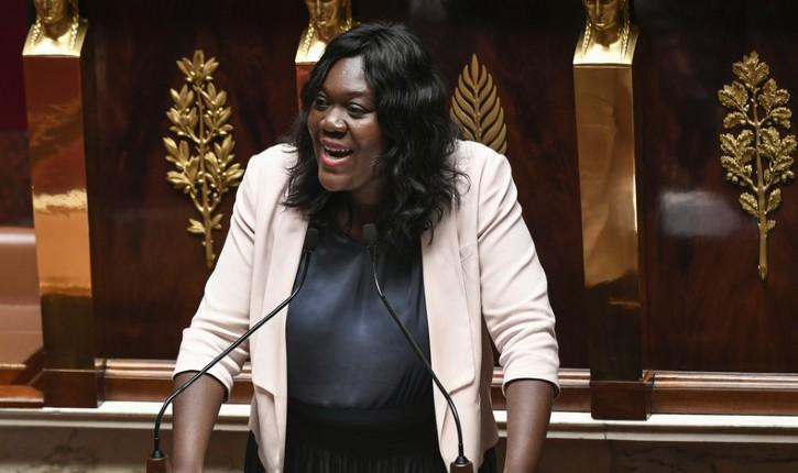 Loi Avia : selon Le Point, un député décédé un mois et demi avant la tenue du vote a été compté comme votant lors de l'adoption du texte