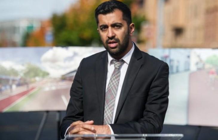 Attaque au couteau à Glasgow : le ministre écossais de la Justice, Humza Yousaf, dénonce la « haine » de l'extrême-droite « qui divise »