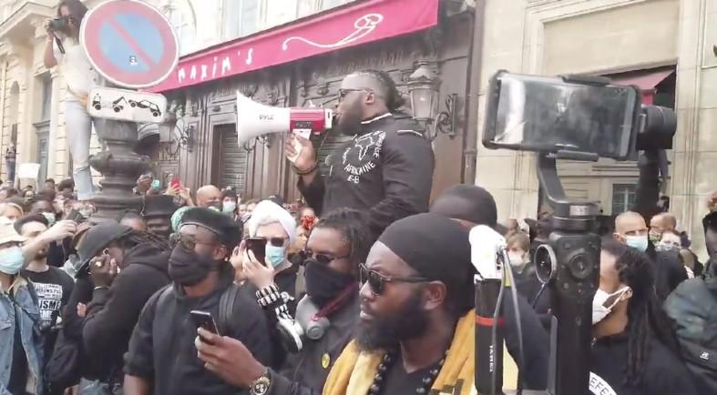 Zemmour « Ces manifestations étaient interdites… La Police n'a rien fait : ils ont eu des ordres. On voit le deux poids deux mesures avec les Gilets Jaunes qui se faisaient taper dessus ! » (Vidéo)