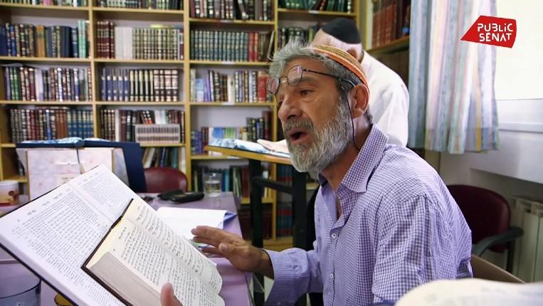 « Le descendant », le parcours d'un jeune juif du Bétar parisien dans les années 70 devenu l'un des responsables de la ville de Kyriat Arba en Judée Samarie occupée par les Arabes (Vidéo)