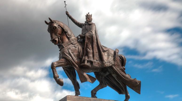 Saint-Louis, États-Unis : des militants reprochent à Louis IX d'être antisémite, veulent abattre sa statue et changer le nom de la ville