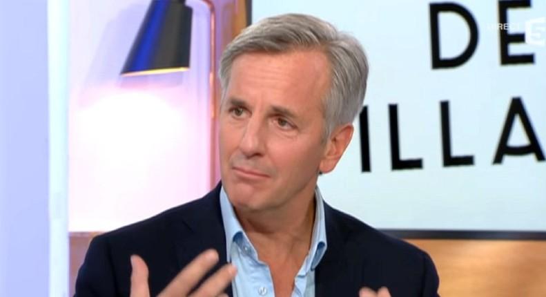 Bernard de La Villardière avoue avoir « fait partie de ces journalistes » qui cachait les prénoms dans les faits divers pour ne pas « donner des arguments au FN »