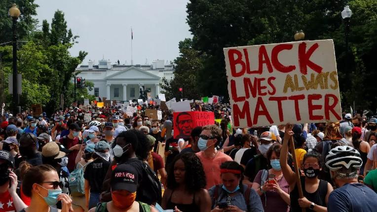 Washington: Les gauchistes de Black Lives Matter scandent «Israël nous vous connaissons, vous assassinez aussi des enfants»  (Vidéo)