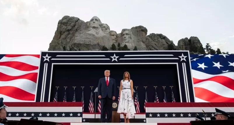 Donald Trump au mont Rushmore «Les manifestations contre le racisme visent à effacer notre histoire, diffamer nos héros, supprimer nos valeurs»