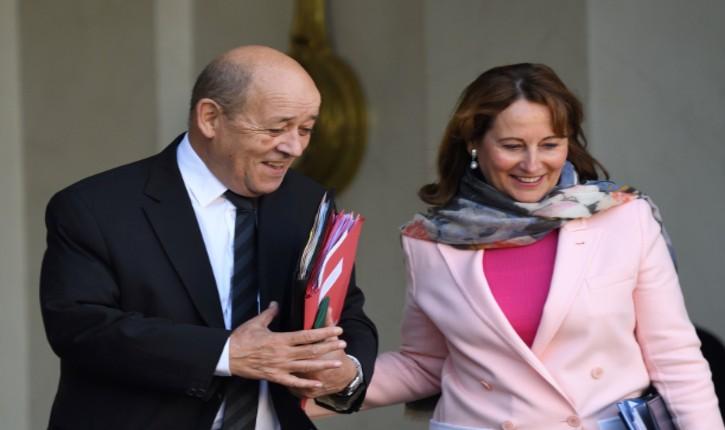 «L'autre folle de Ségo» : le SMS de Jean-Yves Le Drian, envoyé par erreur à Ségolène Royal, croyant converser avec Emmanuel Macron