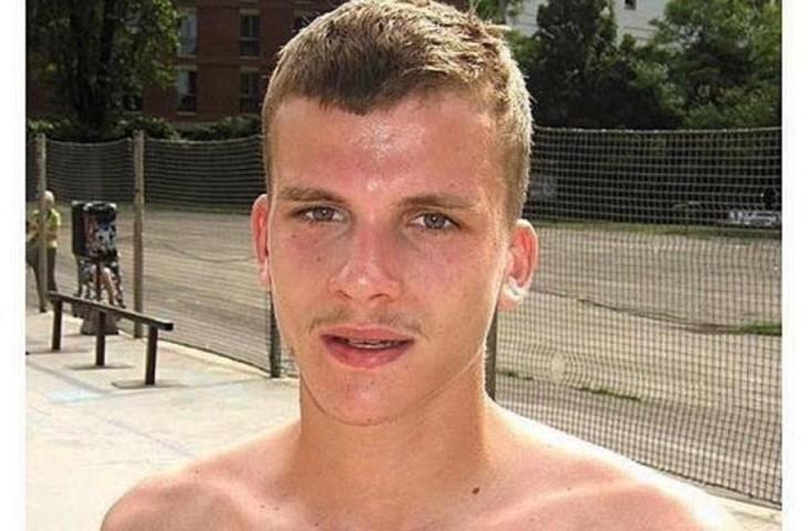 Sarcelles : Thomas, 23 ans, poignardé à mort par un multirécidiviste qui sortait de prison, trop blanc pour intéresser les médias qui préfèrent le délinquant Traoré ! Le père témoigne (Vidéo)