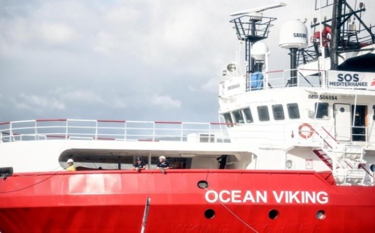 État d'urgence sur l'Ocean Viking, bagarres, menaces envers l'équipage : les membres de l'ONG menacés de mort par les migrants qu'ils ont recueillis