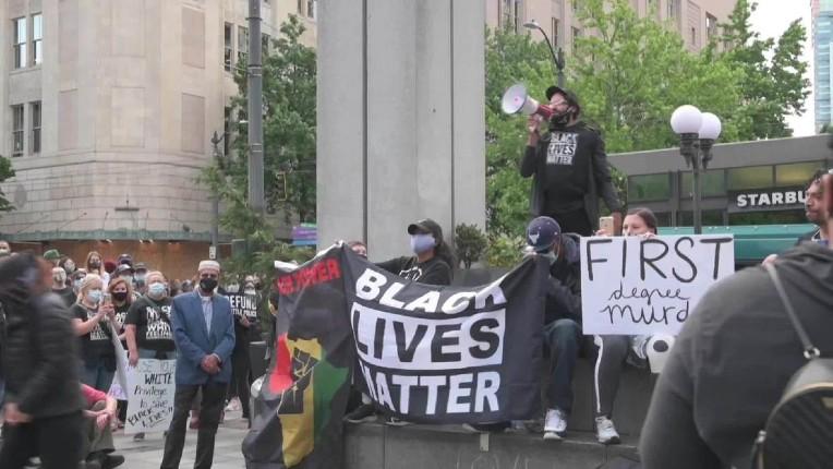 """Les délires racialistes: la ville de Seattle forme ses employés blancs, """"responsables du racisme"""", à se """"défaire de leur blancheur"""""""