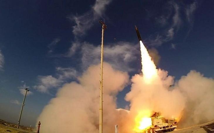 Israël teste avec succès le missile Arrow 2 contre une attaque simulée de missiles balistiques iraniens