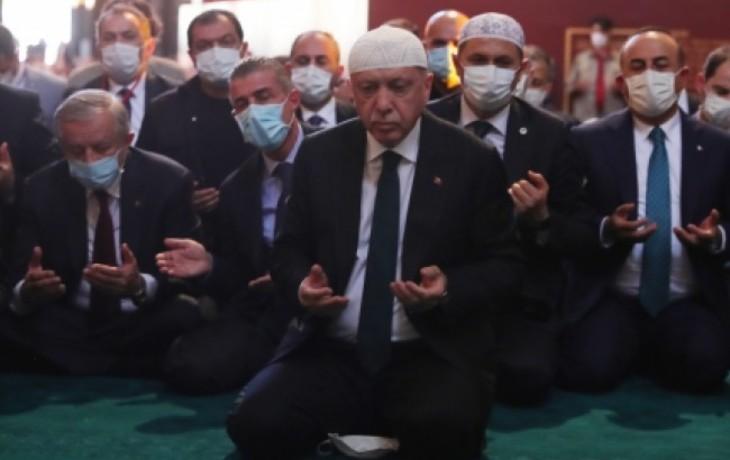 «Mosquée Sainte-Sophie» : Nicolas Bay exhorte l'Europe à répondre à cette ultime provocation du sultan Erdogan
