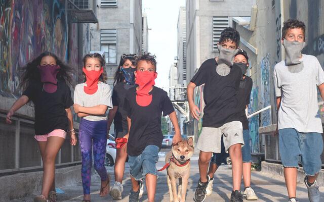 Col-a-Covid, le tshirt franco-israelien avec masque intégré