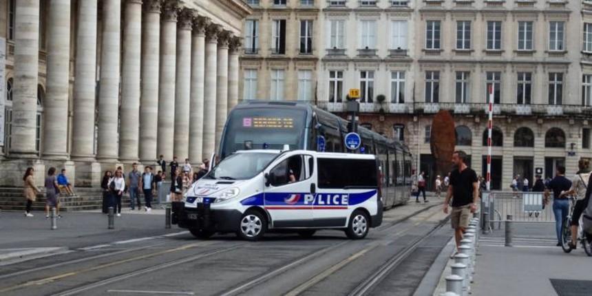 """Bordeaux : des migrants """"mineurs isolés"""" attaquent des passants qui refusent de leur acheter de la cocaïne"""