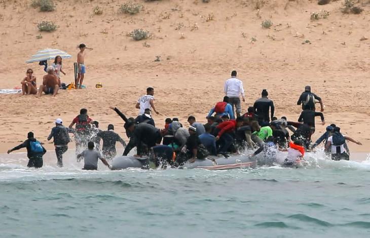 Plus de 800 migrants clandestins algériens ont débarqué en un week-end en Espagne devant les touristes médusés (Vidéo)