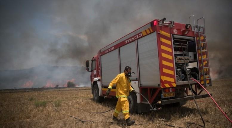 Les ballons incendiaires de Gaza déclenchent 60 feux de brousse dans le sud d'Israël