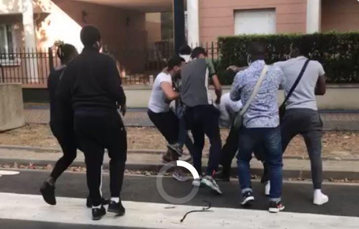 Ensauvagement en Seine Saint Denis: des racailles agressent et frappent un  chauffeur de bus (Vidéo) - Europe Israel - analyses, informations sur  Israel, l'Europe et le Moyen-Orient | Europe Israël news