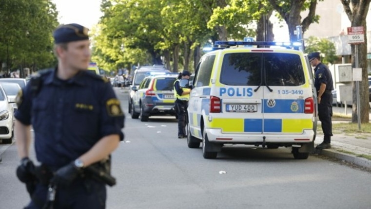 Suède : Deux jeunes garçons, violés et torturés par un Iranien et un Arabe puis enterrés vivants, sauvés par un promeneur