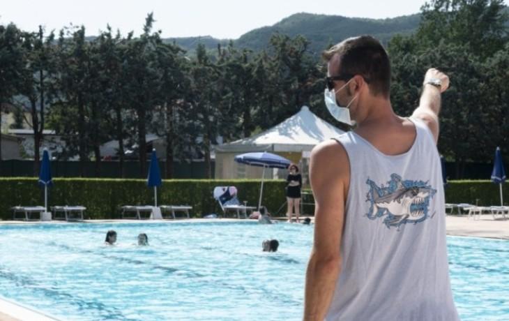 Suisse : une piscine municipale interdit son accès aux étrangers